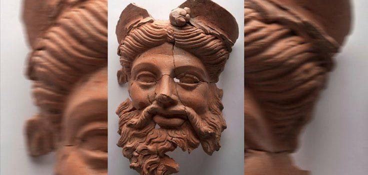 """Milattan Önce 4. Yüzyıldan Kalma """"Dionysos Maskı"""" Bulundu"""